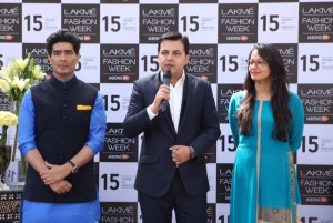 Manish Malhotra, Saket Dhankar (Head IMG Reliance), Purnima Lamba (Head Innovations,Lakme')